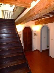 Toskana Ferienwohnung Florenz - Treppenaufgang Wohnbereich