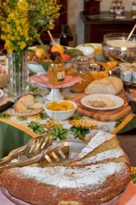 Toskana B&B - Weingut Poggio Belvedere -San Gimignano - Fruehstuecksbuffet