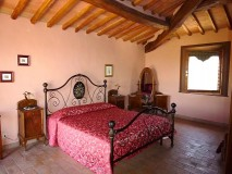 BB Toscana | Borgo Toscano | San Gimignano | Dreibettzimmer mit Terrasse 6