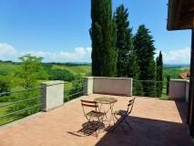 BB Toscana | Borgo Toscano | San Gimignano | Dreibettzimmer mit Terrasse