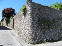 Siena Ferienhaus Toskana - Casa Leon - Antike Steinmauer um den Garten