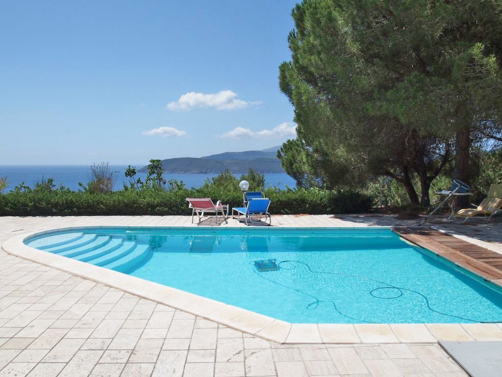ferienhaus elba in alleinlage mit pool bei capoliveri. Black Bedroom Furniture Sets. Home Design Ideas