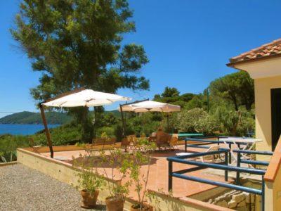 Elba Ferienhaus direkt am Strand   Villa Nora Terrassenbereich