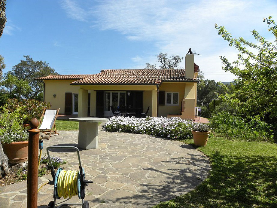 Ferienhaus elba mit garten nahe capoliveri - Foto ville con giardino ...