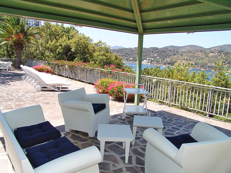 villa azzurro ferienhaus elba mit meerblick in alleinlage. Black Bedroom Furniture Sets. Home Design Ideas