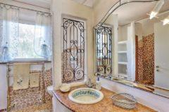 Villa Jasmina | Ferienhaus Insel Elba am Meer | Badezimmer 1. Etage