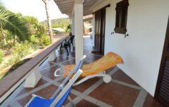 Le Terrazze | Terrasse mit Sonnenliegen | Ferienwohnung Elba am Meer