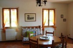 Toskana Ferienhaus Alessandra - Wohnkueche Essbereich