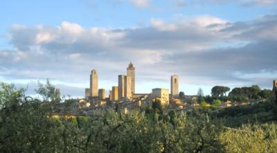 Weintour Toskana | Weinprobe San Gimignano im Minivan
